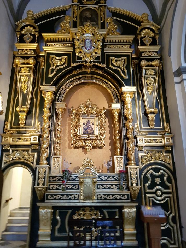 Malaga_iglesia_de_San_Juan_-fRF_entrada_a_la_Sacristia_&_Ntra_Sra_del_Perpetuo_Socorro_RodrigoFernández